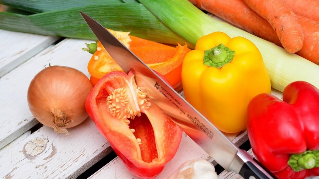 Vitamine obținem alimentându-ne sănătos.